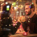 11 signalen dat hij geïnteresseerd is na de eerste date